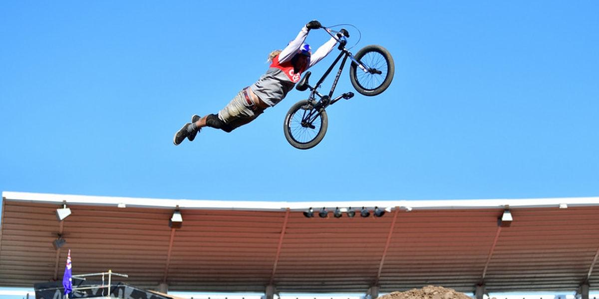 ประเภทการแข่งขันจักรยาน BMX DIRT