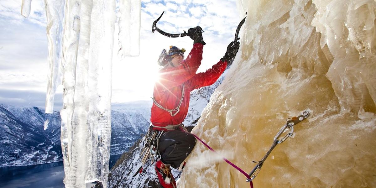 Ice Climbing ปีนน้ำแข็งสุดหวาดเสียว
