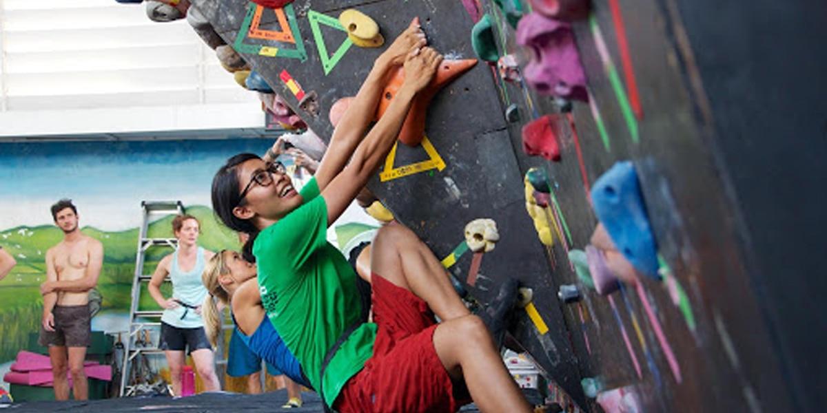 เทคนิคการปีนหน้าผาโดยไม่ต้องใช้พลังงานมากมาย
