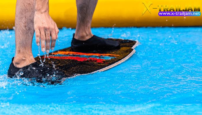 5 เทคนิคในการเล่น Skimboarding หากเราจะมาว่ากันด้วยเรื่องของ กีฬา Skimboarding แล้วก็ต้องบอกเลยว่านี่คืออีกหนึ่ง กีฬาผาดโผน กีฬา Extreme