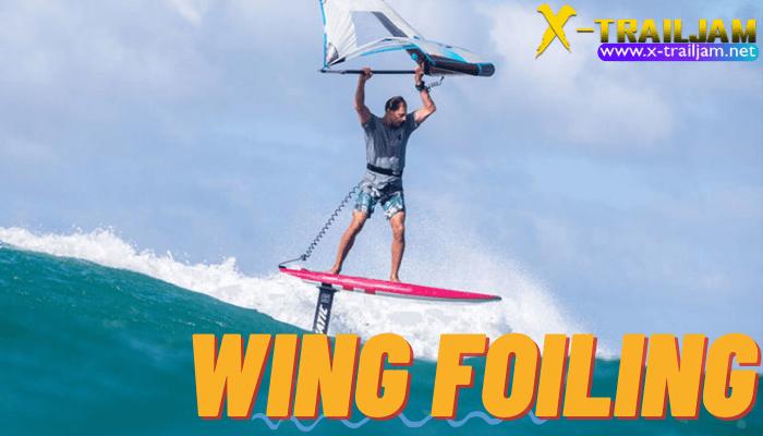 ทำไมกีฬา Wing Foiling จึงน่าสนใจ สำหรับ Wing Foiling ก็อย่างที่เราทราบกันดีนะคะว่าเป็นกีฬาใหม่ล่าสุดที่พอมีการเปิดตัวออกมาปุ๊บก็ฮิตติดเทรน